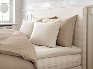bettw sche accessoires in d sseldorf h stens. Black Bedroom Furniture Sets. Home Design Ideas