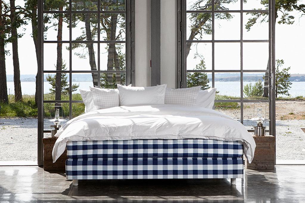 luxuria mitteleurop ische betten boxspringbetten von h stens. Black Bedroom Furniture Sets. Home Design Ideas