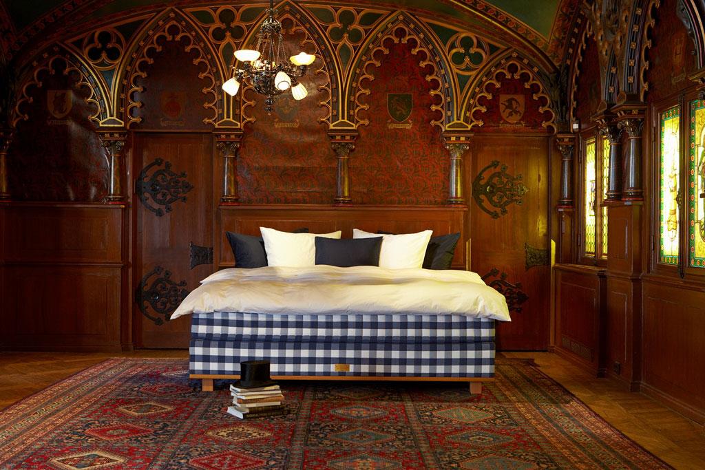 luxurioses bett design hastens guten schlaf m belideen. Black Bedroom Furniture Sets. Home Design Ideas